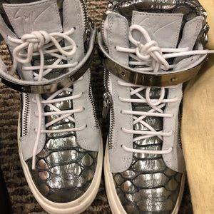 Comfortable Guiseppe shoe  size 39.5